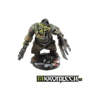 Kromlech   Orc Model Kits Orc Greatcoat Squad Leader - KRM051 - 5902216111745
